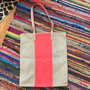 Hot pink and light tan shoulder bag!!🌸